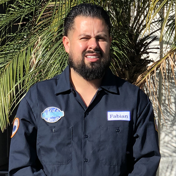 Plumber Fabian Lopez in Costa Mesa